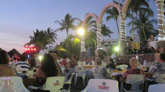 Occidental Nuevo Vallarta: Monday night dinner on the beach