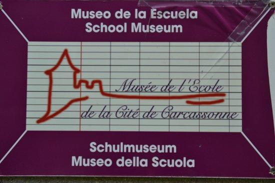 School Museum: Placa señalizadora
