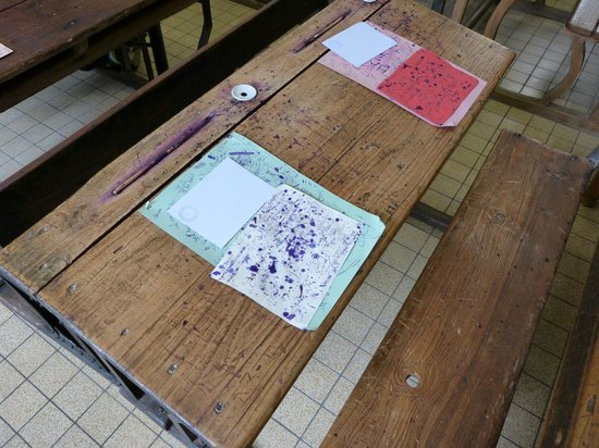 School Museum: Detalle de pupitre