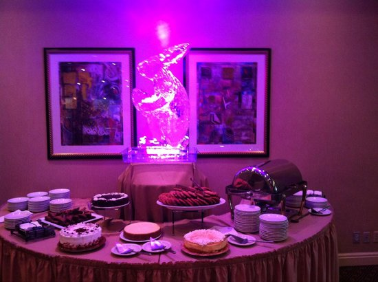 Sheraton Mahwah Hotel: Easter brunch some desserts