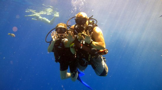 Pyramids Diving Center: scubba diving first time