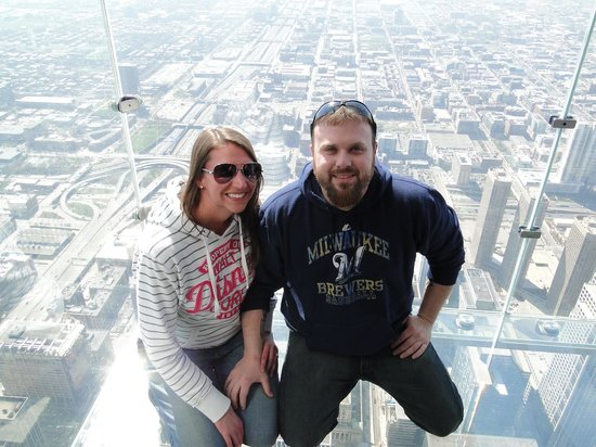 Skydeck Chicago - Willis Tower : Up on the Sky Deck