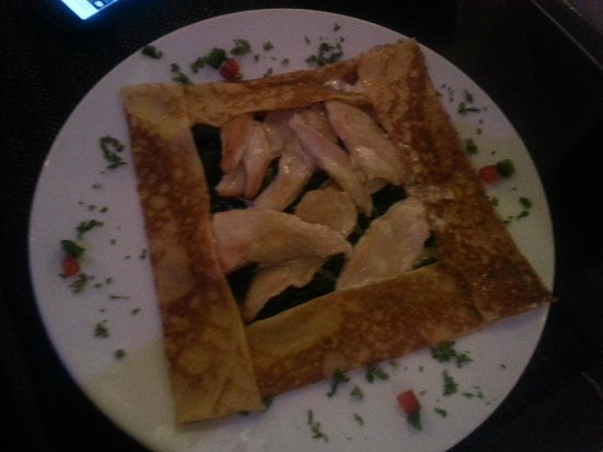 55 Crepe Bar & Kitchen : Savoury crepe with chicken and cheese