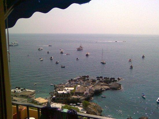 Hotel Weber Ambassador Capri: вид из окна верхнего этажа