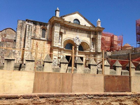 Rep Dom Tours: Собор Санта-Мария-ла-Менор.