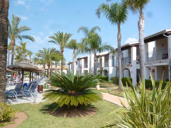 Botel Alcudiamar Hotel: Hotelanlage (kein Klotz ;-)