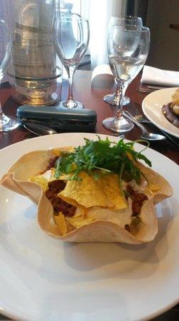 The Esplanade Hotel: Chilli Con Carne in a tortilla basket