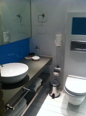 Semeli Hotel: Particolare del bagno