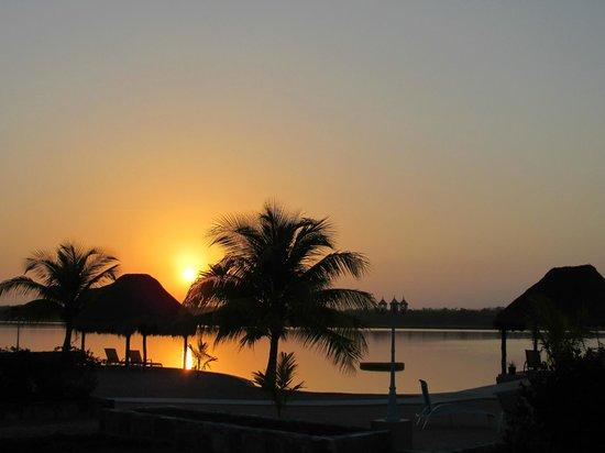 Bacalar Lagoon Resort: aube