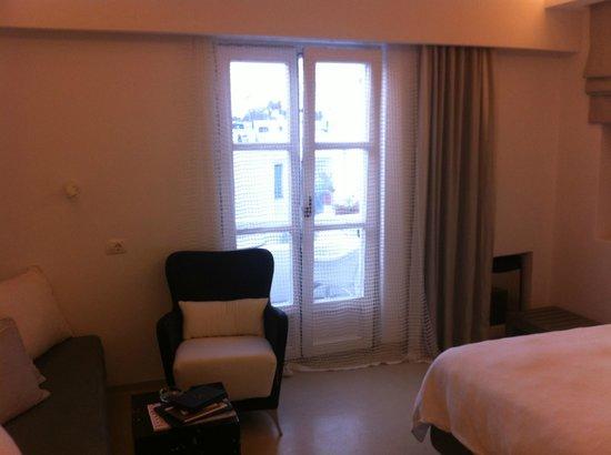 Semeli Hotel : Finestra con balconcino