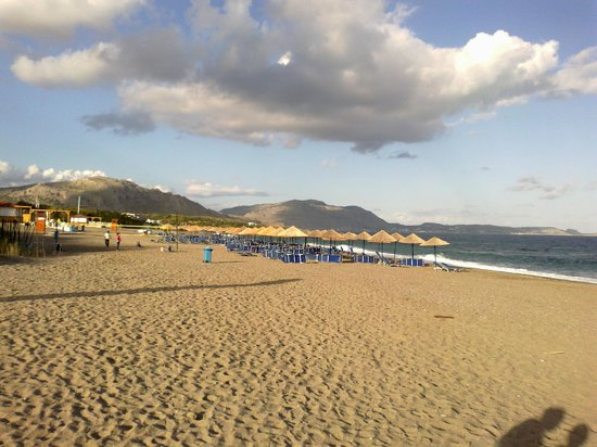 Mitsis Rodos Maris Resort & Spa: beach