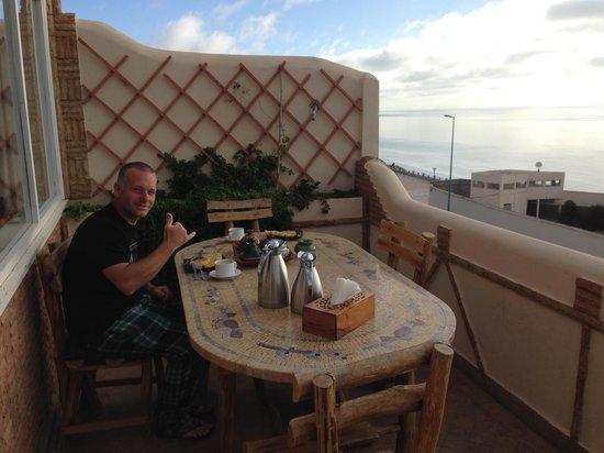 Dar Rio Oro : dining al fresco