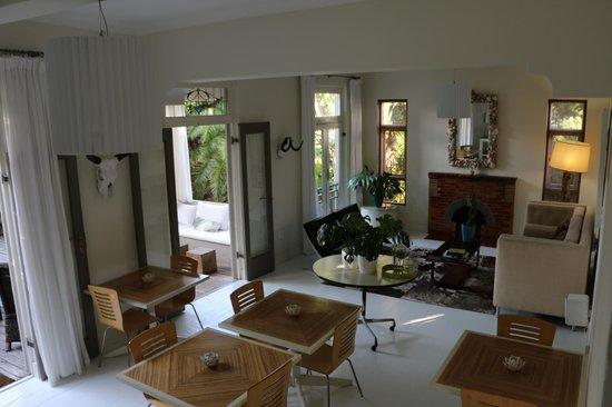 Cape Standard : Dining area