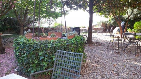 Hotel Santa Caterina: giardinetto