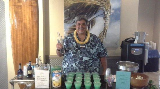Aqua Aloha Surf Waikiki: Managers Social with hotel signature drink