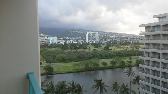 Aqua Aloha Surf Waikiki: From front of hotel you can see the canal and golf course