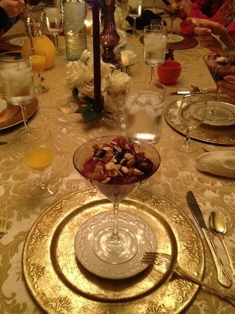 McKinney Bed and Breakfast: Hot fruit almond compote