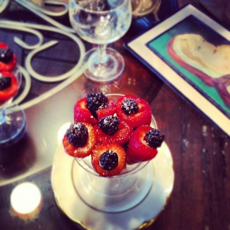 McKinney Bed and Breakfast: Summer berries make the sweetest and prettiest dessert