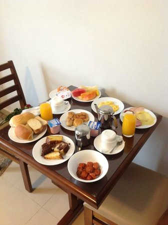 Oscar Hotel Executive : Café da manhã servido na suíte.