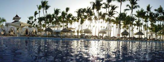 Luxury Bahia Principe Bouganville Don Pablo Collection : Atardecer en la piscina