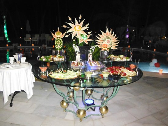 Luxury Bahia Principe Bouganville Don Pablo Collection : Cena romantica