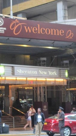 Sheraton New York Times Square Hotel: Outside of hotel