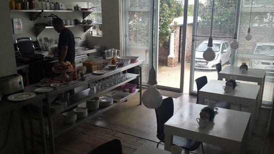 motel Mi Pi CHi: Breakfast