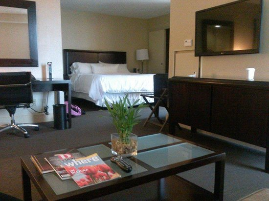 The Westin Dallas Fort Worth Airport: executive suite