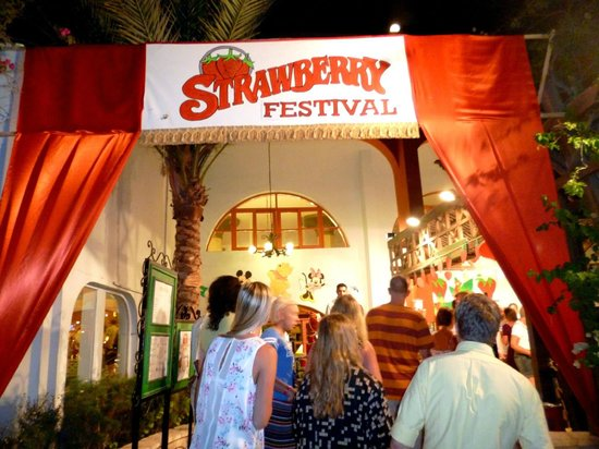 Arabia Azur Resort : strawbery festival