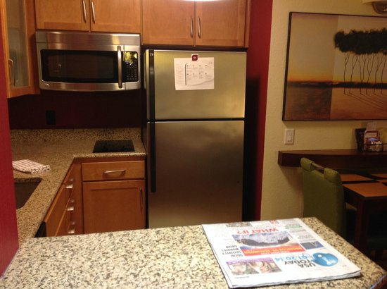 Residence Inn Gainesville I-75 : Kitchen Area with Full-size Fridge