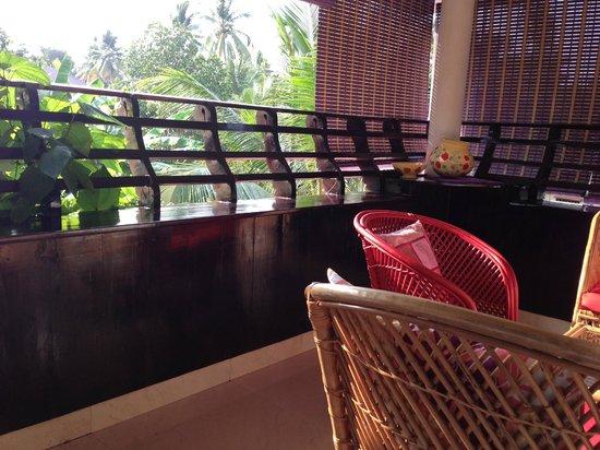 Bella Art & Meditation House: Balcony