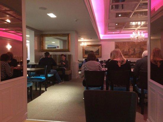 Thon Hotel Slottsparken: salle buffet