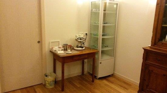Casa Panvinio: Pequeña sala para comer/tomar algo muy util