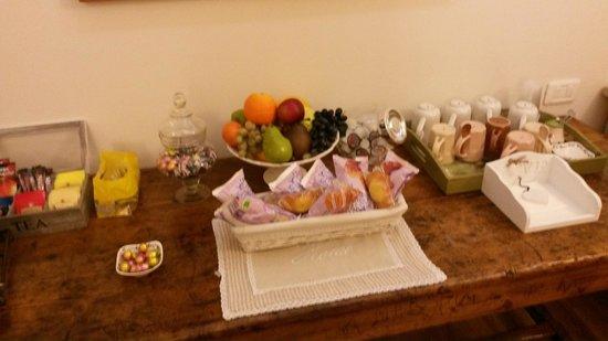 Casa Panvinio: Pequeña sala para comer/tomar algo, muy util