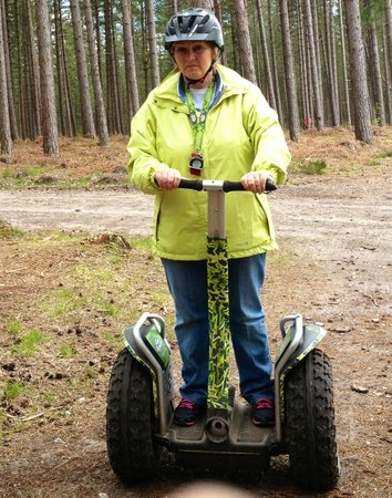 Go Ape Moors Valley: Steady as she goes - concentrating !!