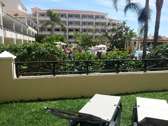 Aparthotel Parque de la Paz: view from the terrace of our ground floor room