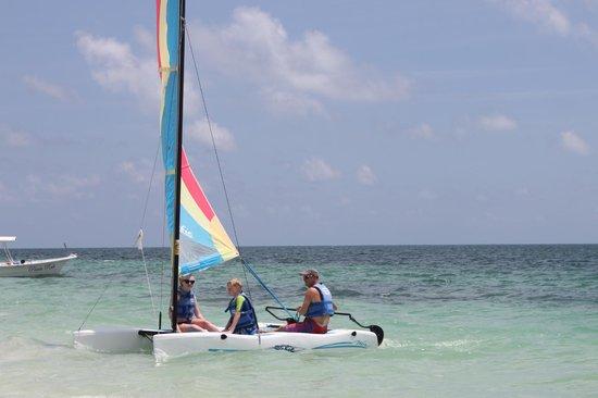 Dreams Riviera Cancun Resort & Spa: Take a Cat out, its good fun.
