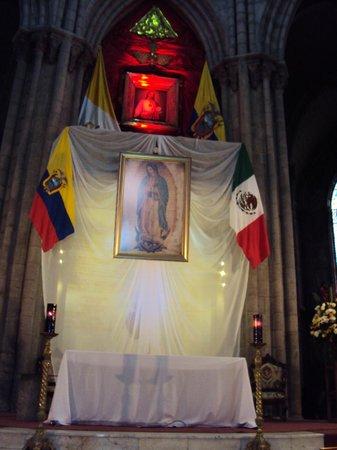 Basílica del Voto Nacional: interior