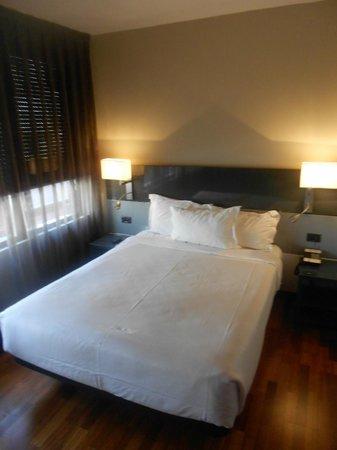 AC Hotel Avenida de America: cama twin