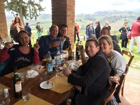 Walkabout Florence Tours: Wine tasting and lunch!