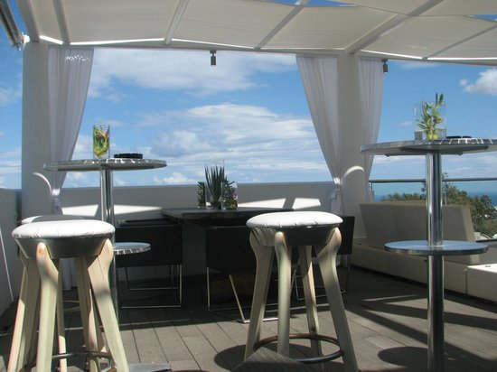 Aressana Spa Hotel and Suites: Hotel bar