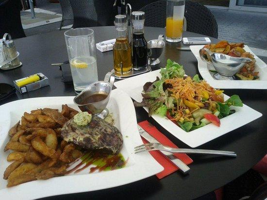 Clocktower American Bar & Grill: Steak