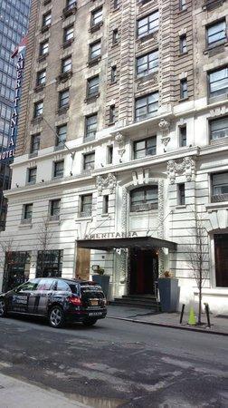 Ameritania Hotel : Outside of Hotel Ameritania