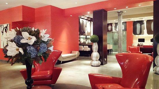 Ameritania Hotel : Bar and lounge area