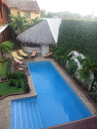 Hotel con Corazon : la piscina