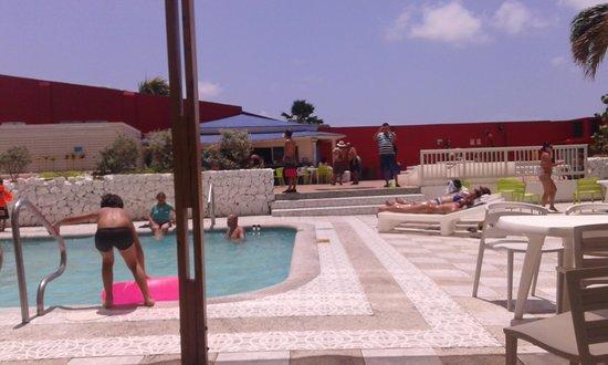Hotel Blue Tone: piscina del hotel
