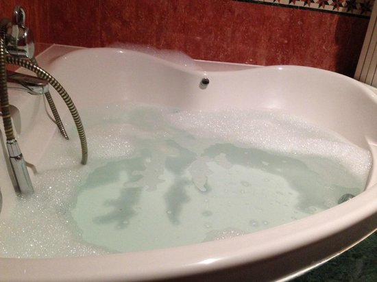 Hotel Bosque-mar: bañera jacuzzi