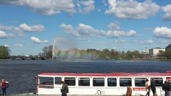 Alster Lakes: Alsterdampfer