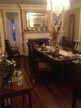 Spanish Moss Inn: Dining Room