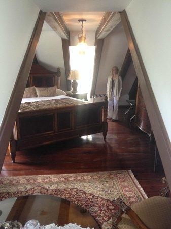 Spanish Moss Inn: Dormer Room